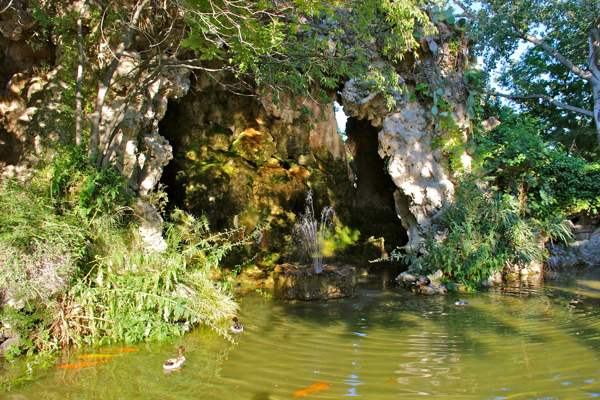 You can climb on top of this little fountain/cave for great views of Avignon, France!