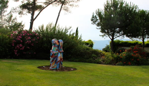 Provence just got even more colorful with this sculpture by Jim Dean.