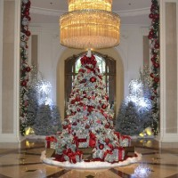 The Beverly Wiltshire's stunning tree might have satisfied Irving Berlin's dreams for a White Christmas in Beverly Hills.